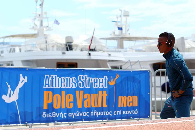 athens-street-pole-vault-04