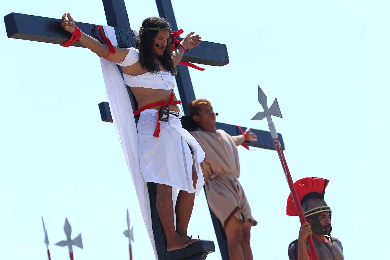 crucifixion-34