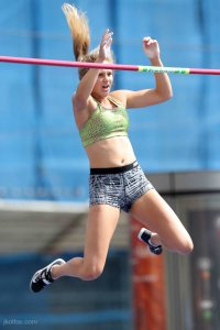 pole-vault-of-prague-02
