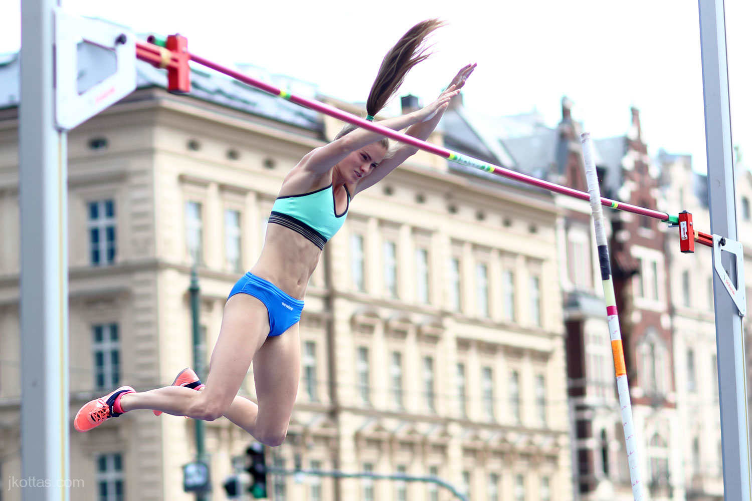 pole-vault-of-prague-04