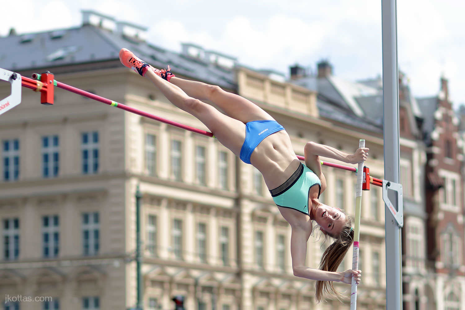 pole-vault-of-prague-08
