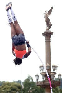 pole-vault-of-prague-17