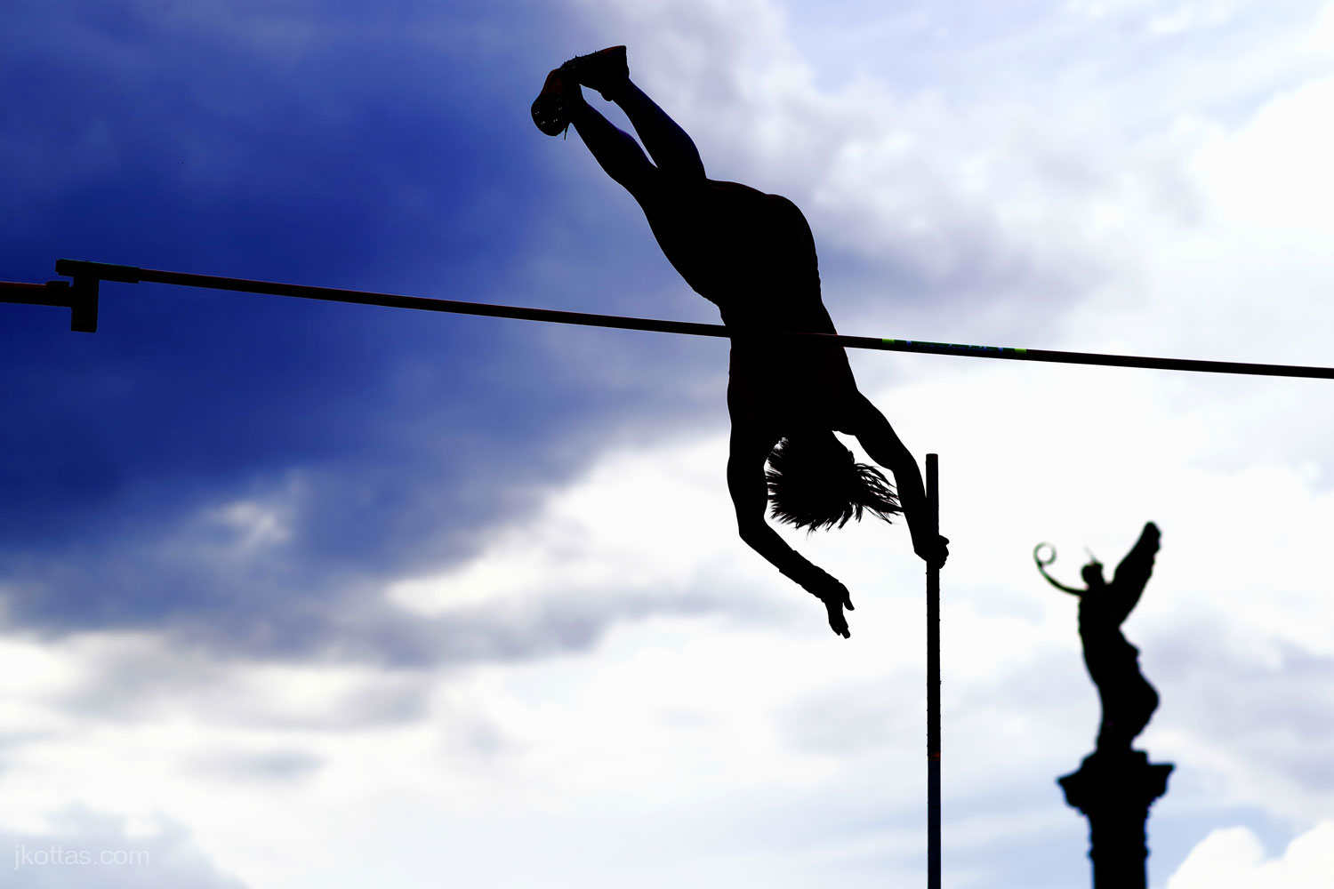 pole-vault-of-prague-18