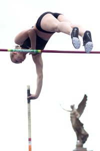pole-vault-of-prague-19