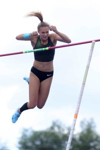 pole-vault-of-prague-21