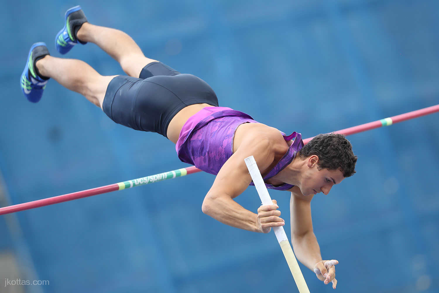 pole-vault-of-prague-28