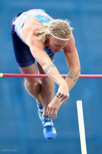 pole-vault-of-prague-31
